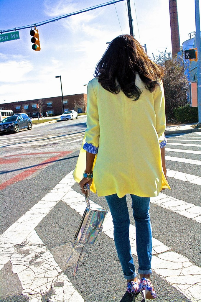 There is nothing more infinitely inspiring on a warm spring day than a bright yellow blazer.  www.amileinmychoos.com